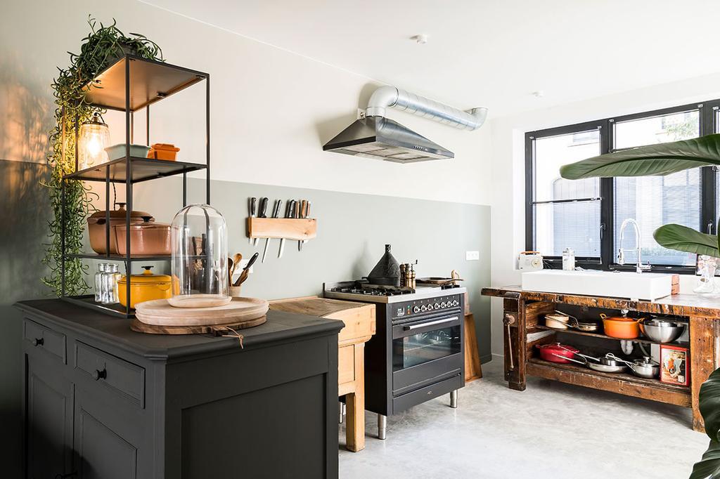 De keuken van Lies en Matthias uit de derde aflevering van het tweede seizoen van Een frisse start met vtwonen.
