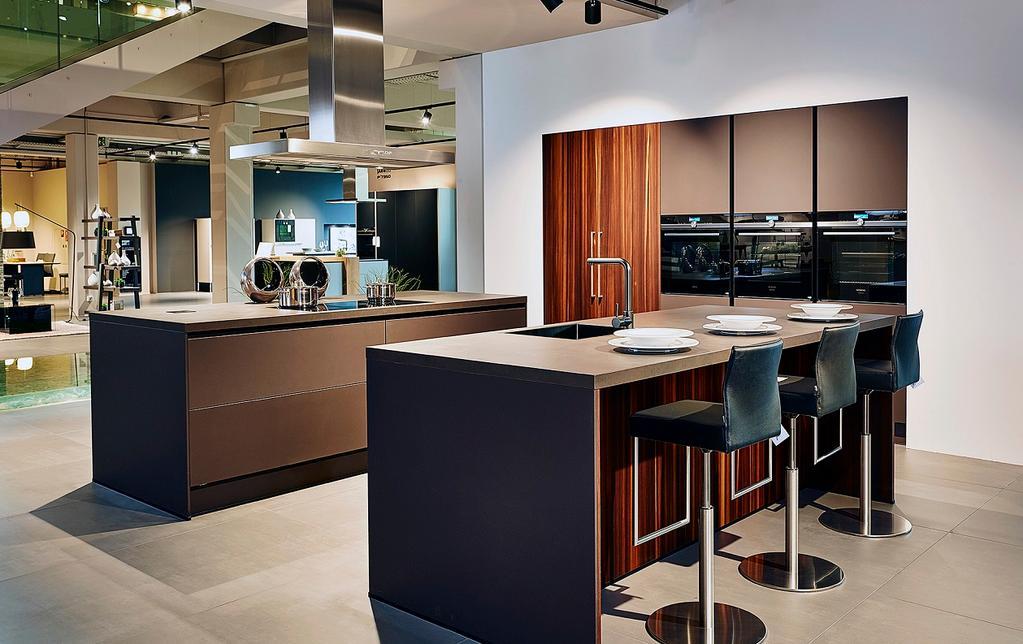 Binnenkijken in een keukenhuis van 10.000m² (wát een snoepwinkel!)