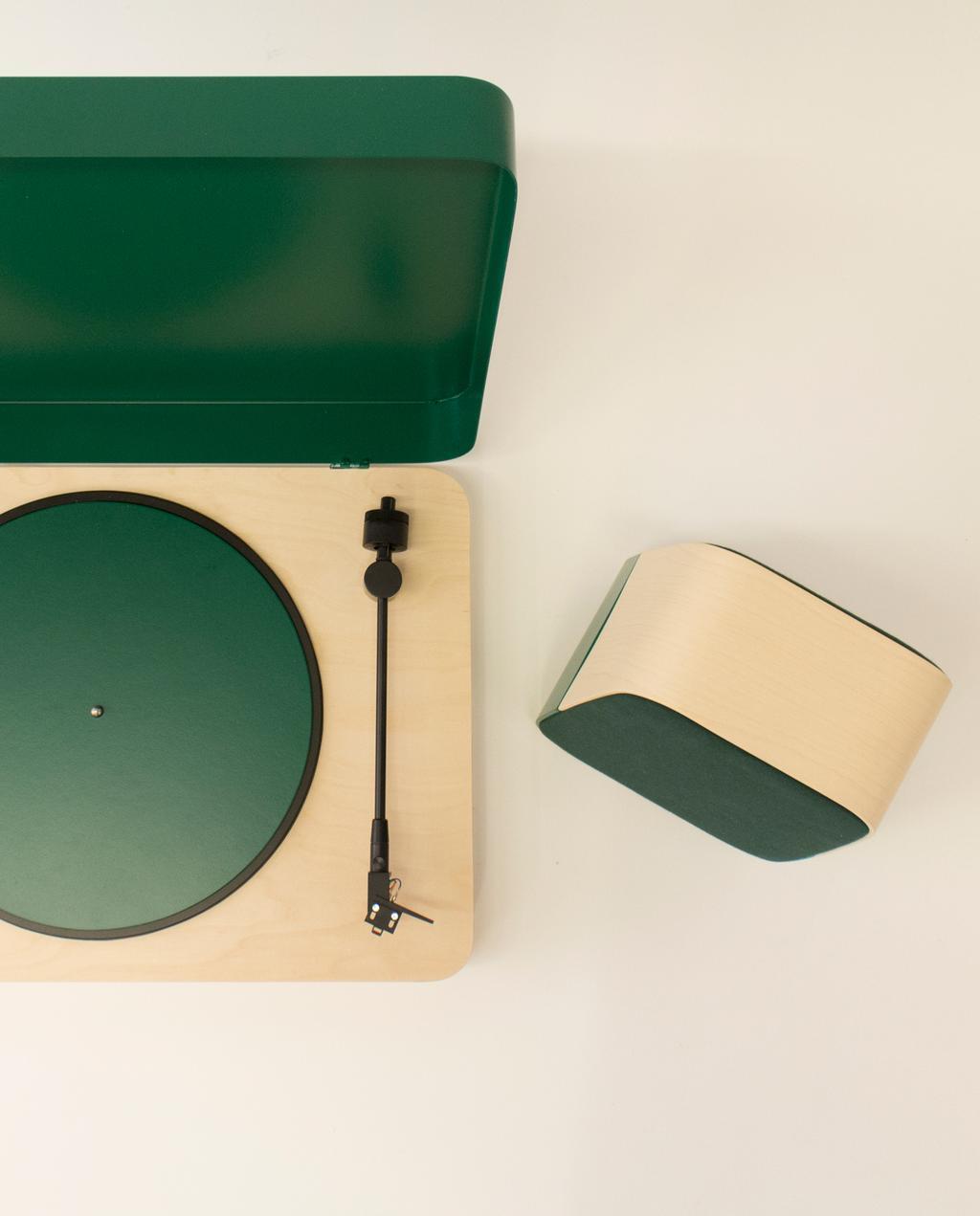 vtwonen blog | blog StudentDesign design voor op je verlanglijstje Tomi Laukkanen groene muziekspelers boxen bovenaanzicht