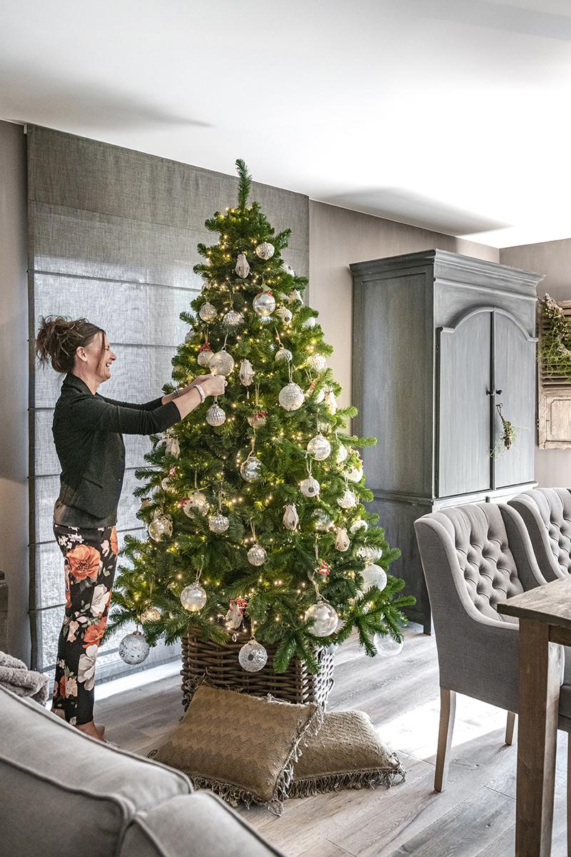 sfeervolle kerst binnenkijken bo & dou 01 kerstboom eethoek