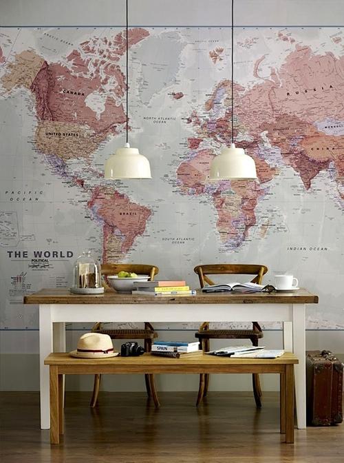 wereldkaarten aan de muur