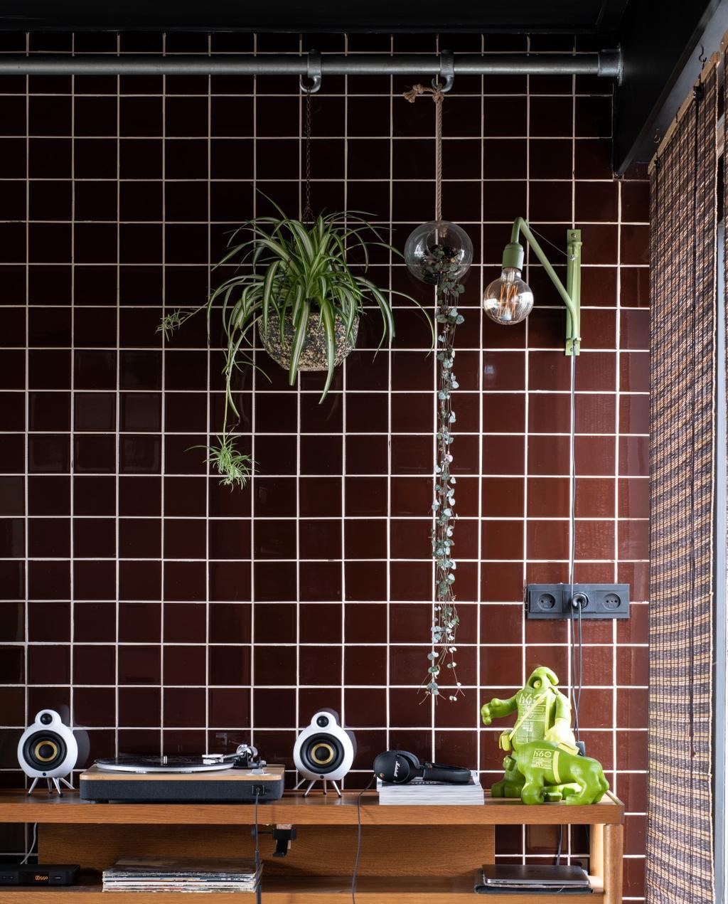vtwonen binnenkijken 03-2020 | Binnekijken Heerhugowaard bruine tegels met planten