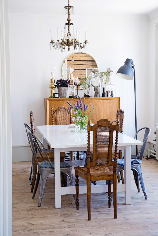 mix chaises antiques modernes