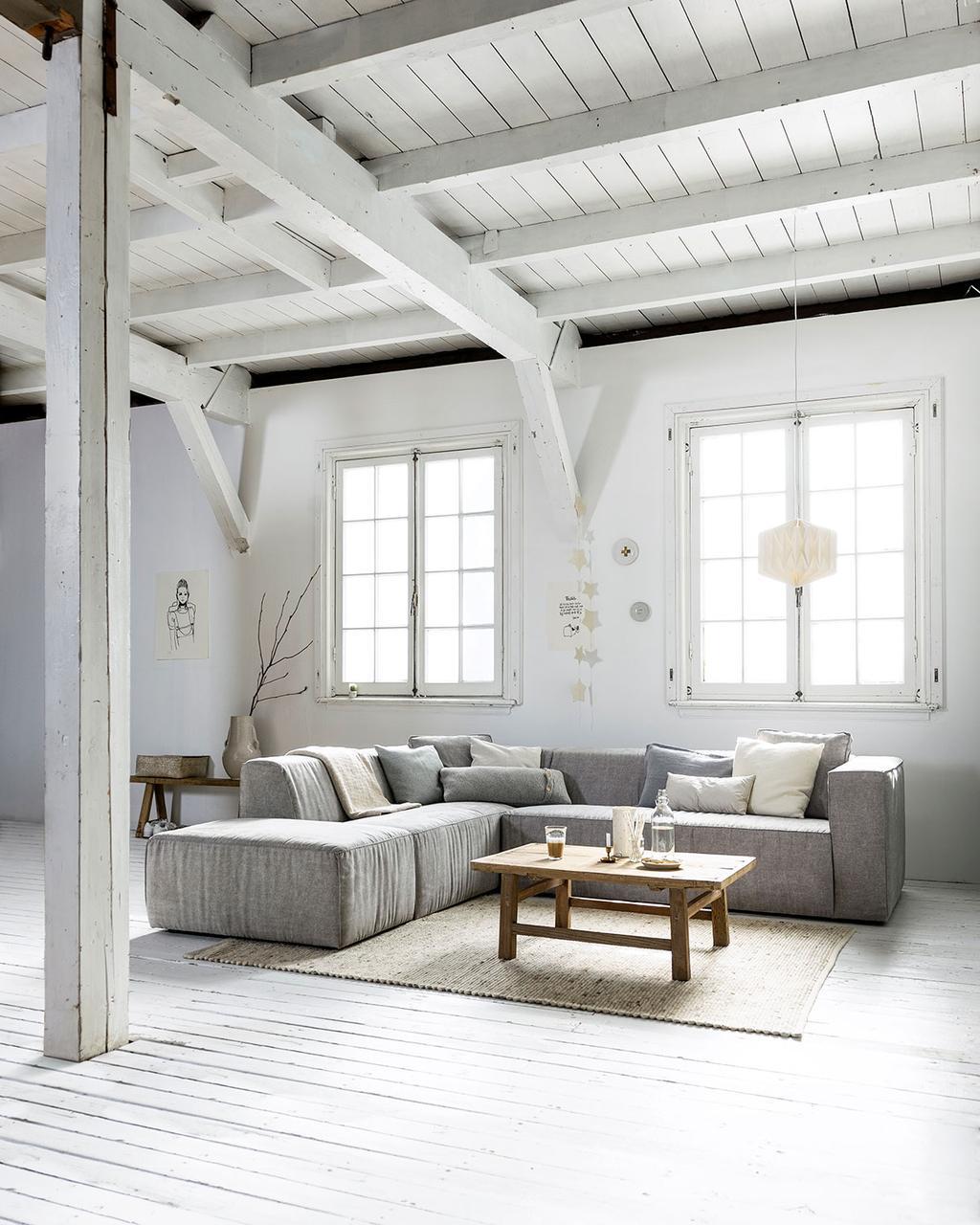 Living in neutrale kleuren met hoekbank Lazy van vtwonen