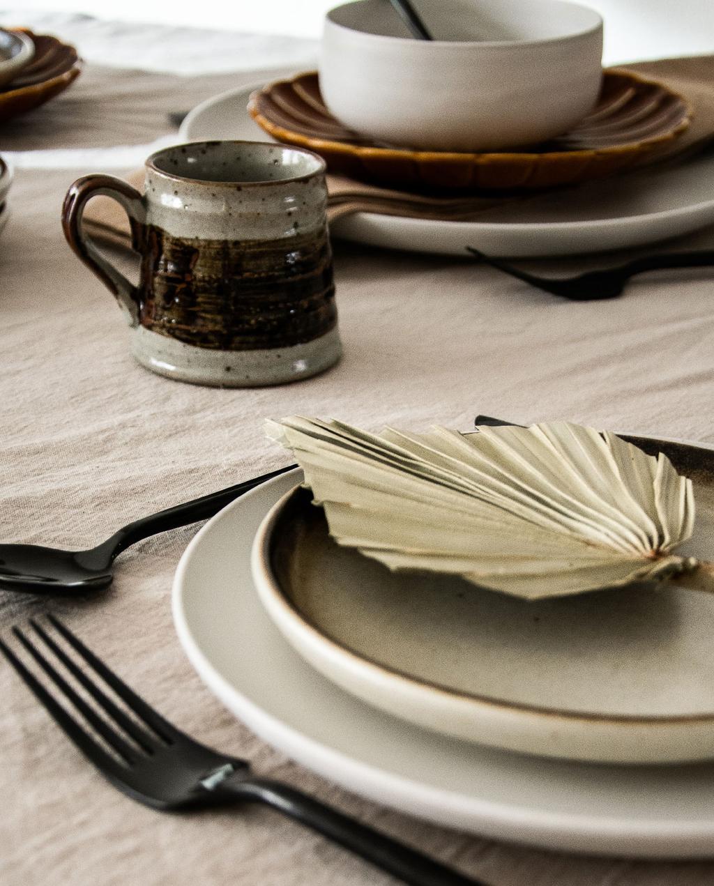 vtwonen blog rachel terpstra | liefde voor keramiek servies met palmdecoratie