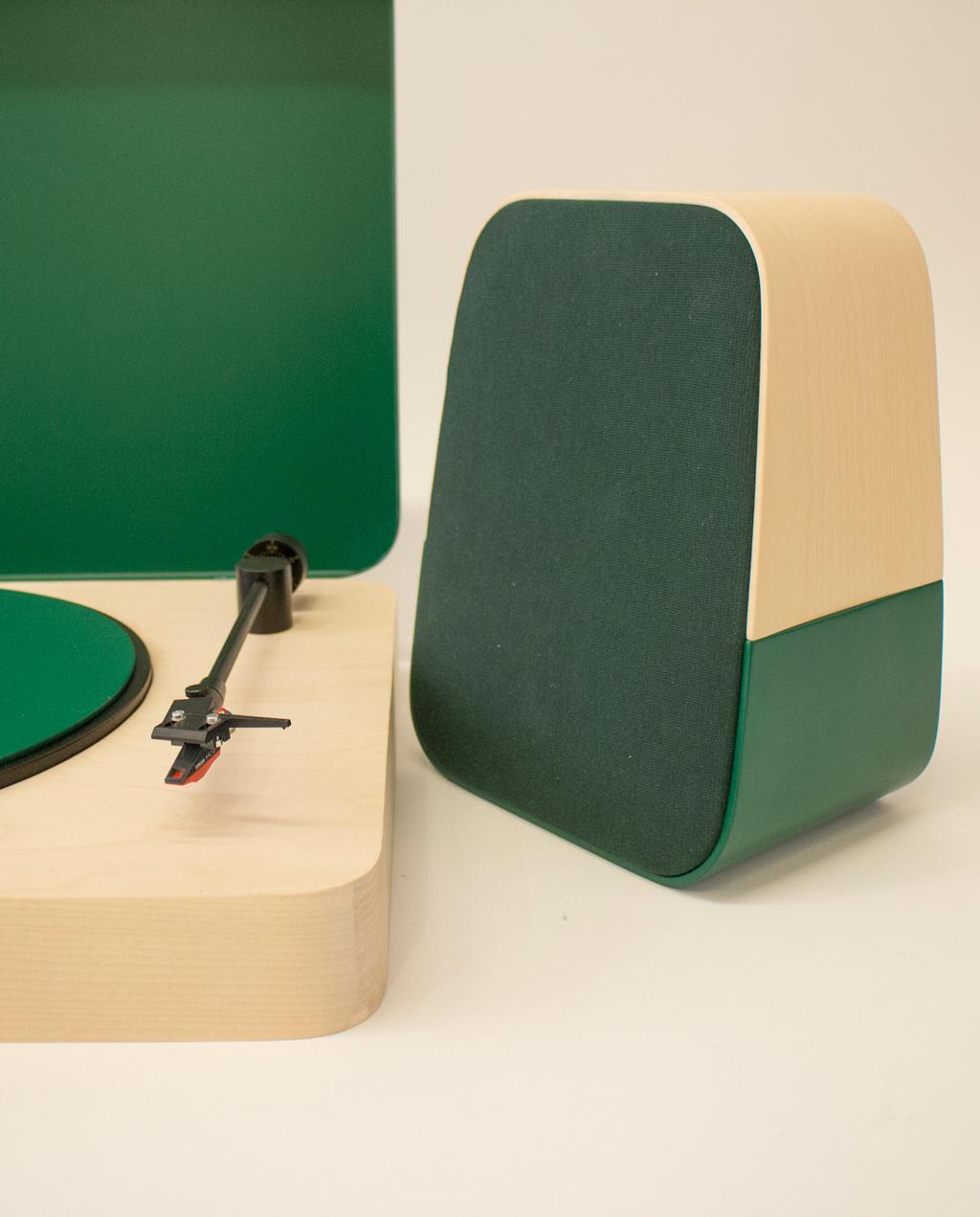 vtwonen blog | blog StudentDesign design voor op je verlanglijstje Tomi Laukkanen groene muziekspelers boxen close-up