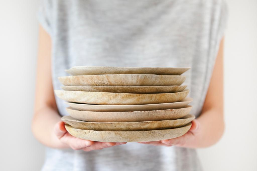 Houten tableware handen