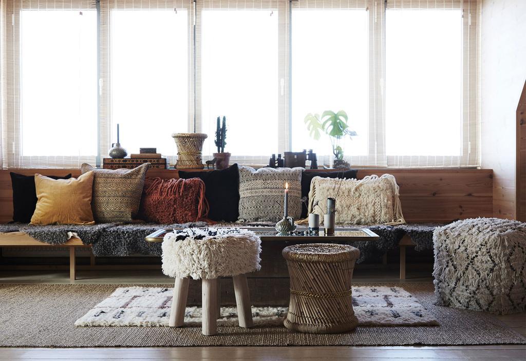6 decoratie-ideeën voor de vensterbank - Madam Stoltz - vtwonen