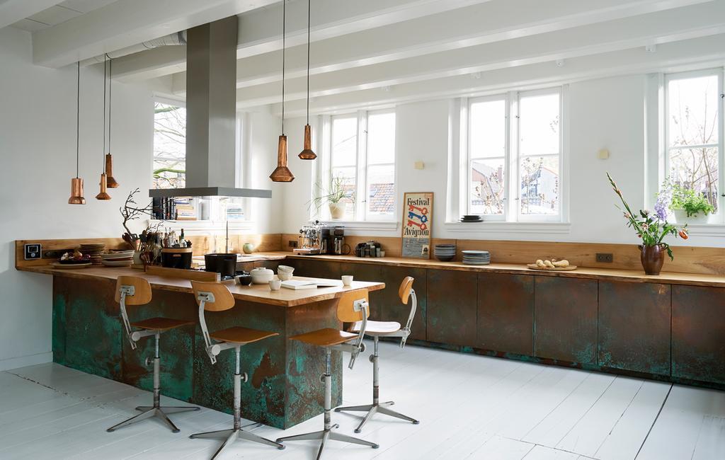 Keuken schoonmaken doe je zo | vtwonen 01-2020 | styling Marlies Does, fotografie Peggy Janssen | keuken inrichten
