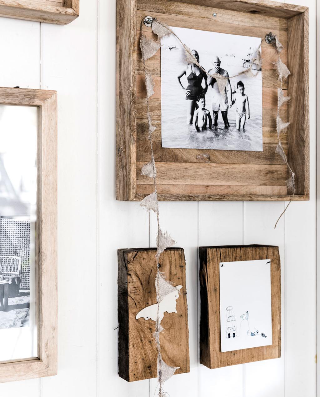 wrakhout fotolijsten bij ajuma restaurant