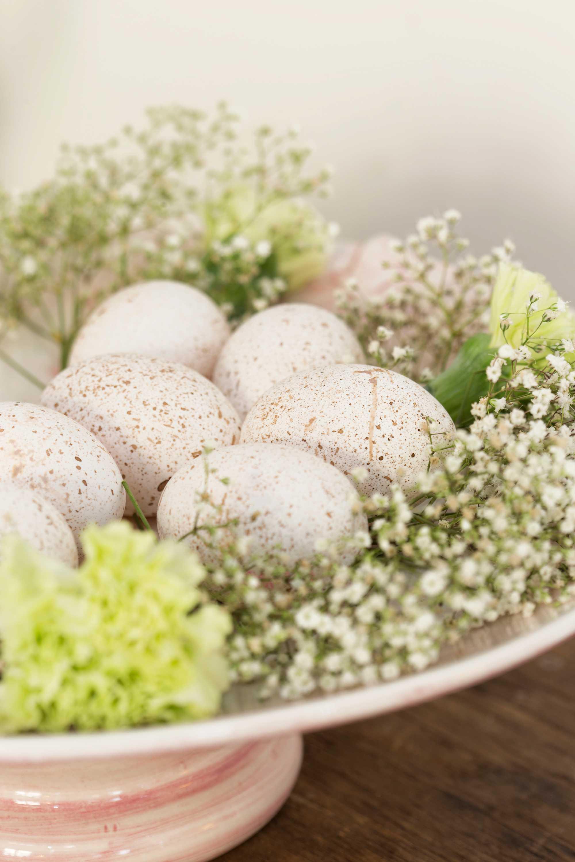 Leoniek Boers gespikkelde eieren close-up