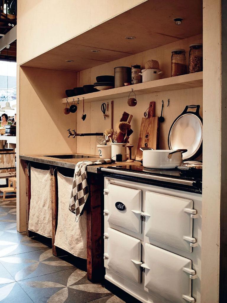 Boerenkeuken met keukenblok