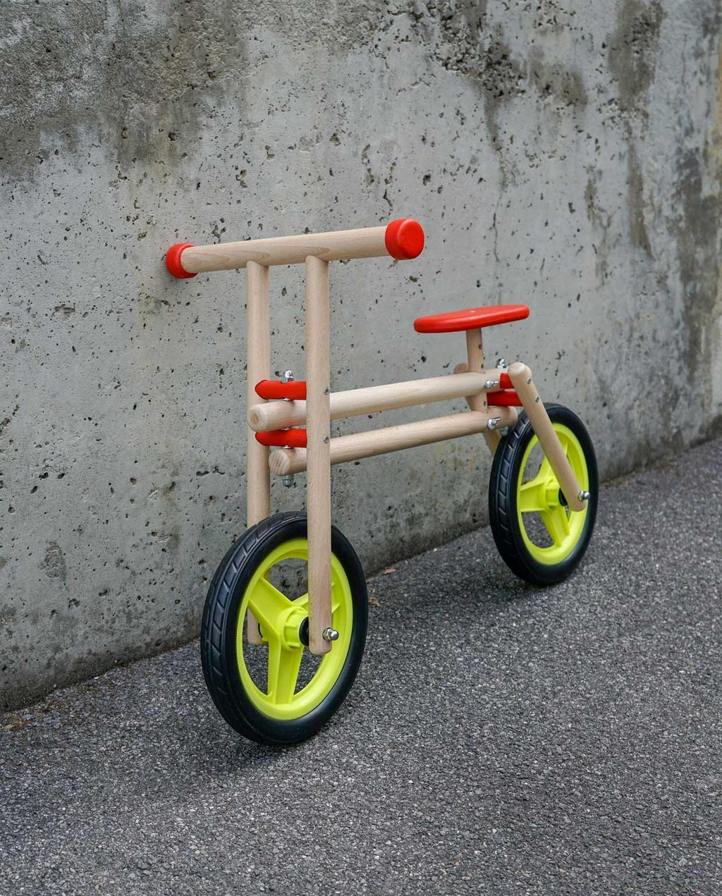 vtwonen | studentdesign | design speelgoed | lea bonvallat | loopfiets