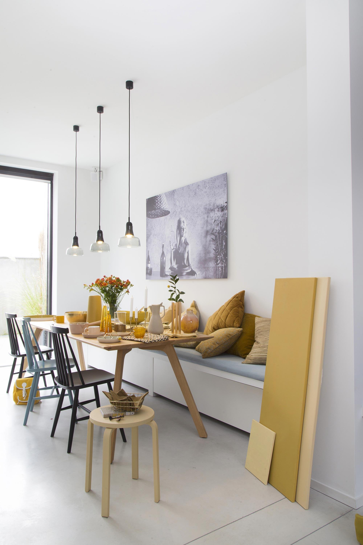 couleur jaune table