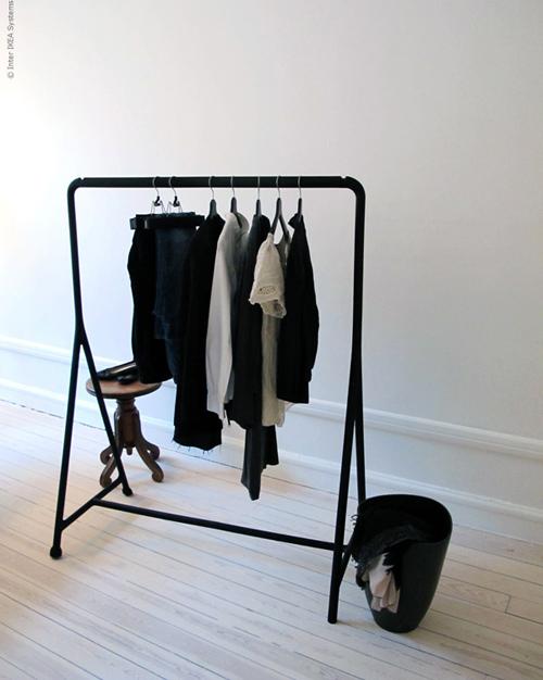 zwart kledingrek